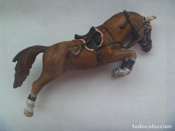 Figuras de Goma y PVC: FIGURA DE PLASTICO DE CABALLO SALTANDO , HIPICA . SIN MARCA - Foto 2 - 203982697