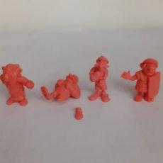 Figuras de Goma y PVC: FIGURAS DUNKIN ASTERIX COLOR ROSA. Lote 204000908