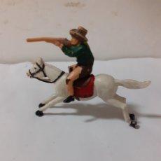 Figuras de Goma y PVC: FIGURA VAQUERO A CABALLO,JECSAN ,REAMSA,PECH PLASTICO. Lote 204196836