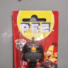 Dispensador Pez: DISPENSADOR CARAMELOS PEZ ANGRY BIRDS 2 BOMB. Lote 204315903