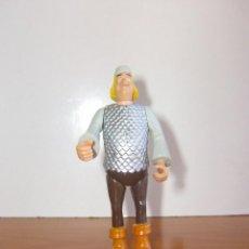 Figuras de Goma y PVC: FIGURA ARTICULADA MERLIN EL REY ARTURO DISNEY. Lote 204517952