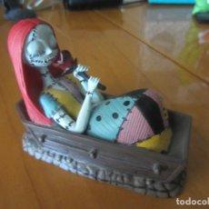Figuras de Goma y PVC: PESADILLA ANTES DE NAVIDAD-FIGURA SALLY EN ATAUD. Lote 204686211