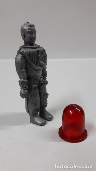Figuras de Goma y PVC: ASTRONAUTA DEL ESPACIO CON ESCAFANDRA . REALIZADO POR COMANSI . ORIGINAL AÑOS 60 - Foto 4 - 204740623