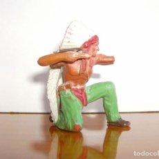 Figuras de Goma y PVC: INDIO RODILLA EN EN SUELO. Lote 204986172