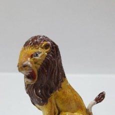 Figuras de Goma y PVC: LEON SENTADO . REALIZADO POR JECSAN . SERIE CIRCO . ORIGINAL AÑOS 50 EN GOMA. Lote 205085276