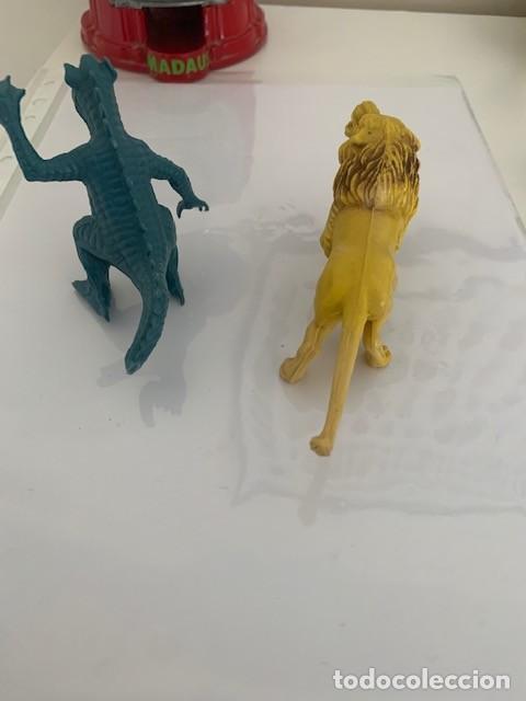 Figuras de Goma y PVC: figuras goma pvc dragon y leon - Foto 2 - 205145072