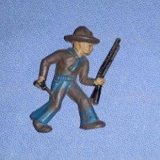 Figuras de Goma y PVC: ANTIGUO VAQUERO DE CAPELL DE GOMA AÑOS 50 EN MUY BUEN ESTADO. Lote 205187797