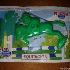 Figuras de Goma y PVC: FIGURA PVC DANONE GOMA BORRAR COBI BARCELONA DEL 92 EQUITACIÓN MUÑECO COLECCIÓN PREMIUM. Lote 205464652