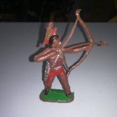 Figuras de Goma y PVC: COMANSI FIGURA DE PLASTICO AÑOS 60 INDIO CON ARCO PRIMERA EPOCA ENRLAG. Lote 205558598