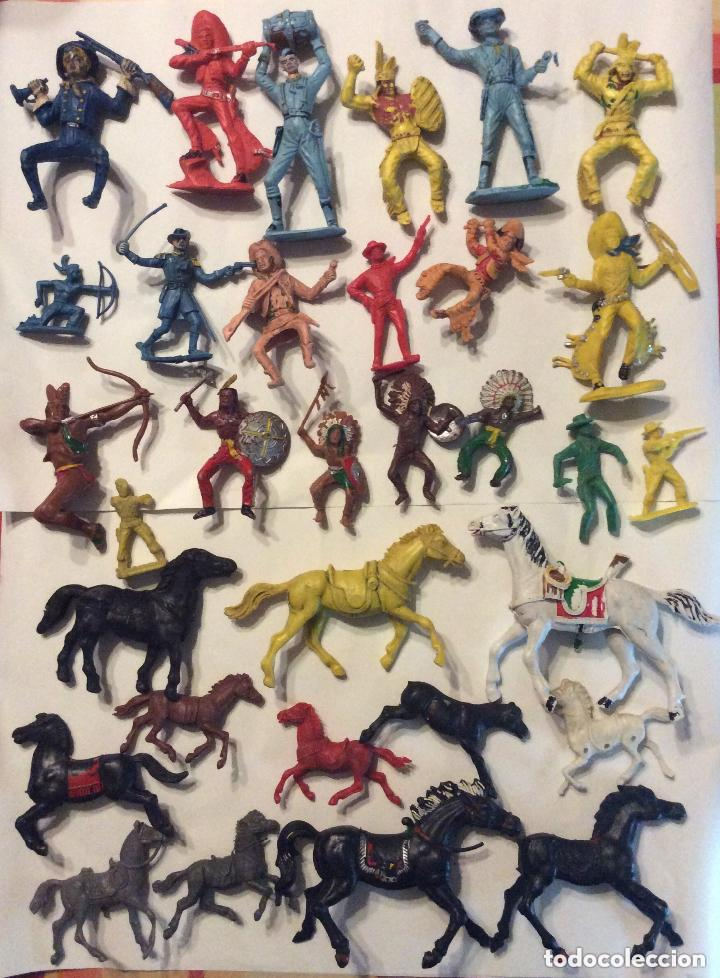 Figuras de Goma y PVC: ANTIGUO FUERTE DEL OESTE FORT APACHE CON LOTE INDIOS Y VAQUEROS DE 1ª ETAPA AÑOS 60-Medida 50X37 - Foto 7 - 205603020