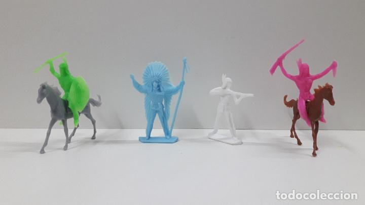 Figuras de Goma y PVC: INDIOS Y VAQUEROS . POSIBLEMENTE MOLDE COMANSI . EN PLASTICO MONOCOLOR . ORIGINAL AÑOS 70 - Foto 4 - 205730587