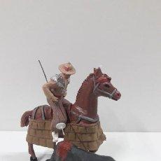 Figuras de Goma y PVC: PICADOR A CABALLO Y TORO . REALIZADO POR PECH . ORIGINAL AÑOS 60. Lote 205734330