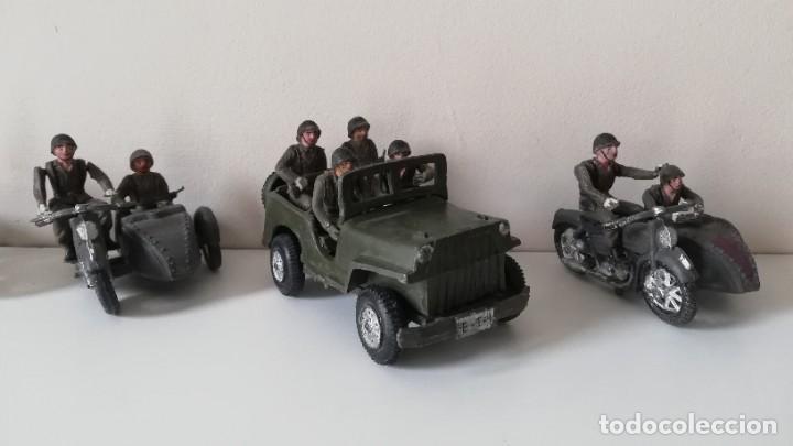 Figuras de Goma y PVC: FIGURA JEEP, DOS MOTOS CON SIDECAR DE TEIXIDO Y 3 MOTOS SENCILLAS, DESFILE DE INFANTERIA, REALIZADAS - Foto 2 - 205738238