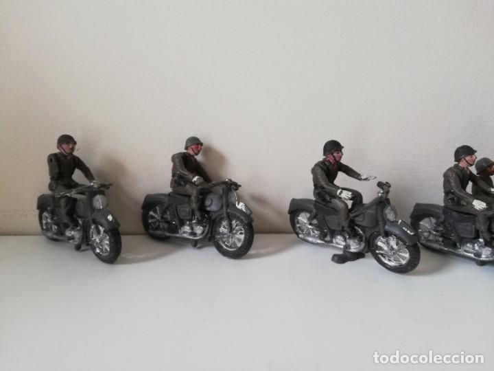 Figuras de Goma y PVC: FIGURA JEEP, DOS MOTOS CON SIDECAR DE TEIXIDO Y 3 MOTOS SENCILLAS, DESFILE DE INFANTERIA, REALIZADAS - Foto 5 - 205738238