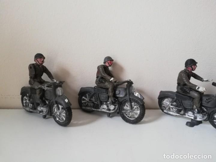 Figuras de Goma y PVC: FIGURA JEEP, DOS MOTOS CON SIDECAR DE TEIXIDO Y 3 MOTOS SENCILLAS, DESFILE DE INFANTERIA, REALIZADAS - Foto 6 - 205738238