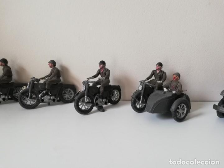 Figuras de Goma y PVC: FIGURA JEEP, DOS MOTOS CON SIDECAR DE TEIXIDO Y 3 MOTOS SENCILLAS, DESFILE DE INFANTERIA, REALIZADAS - Foto 9 - 205738238