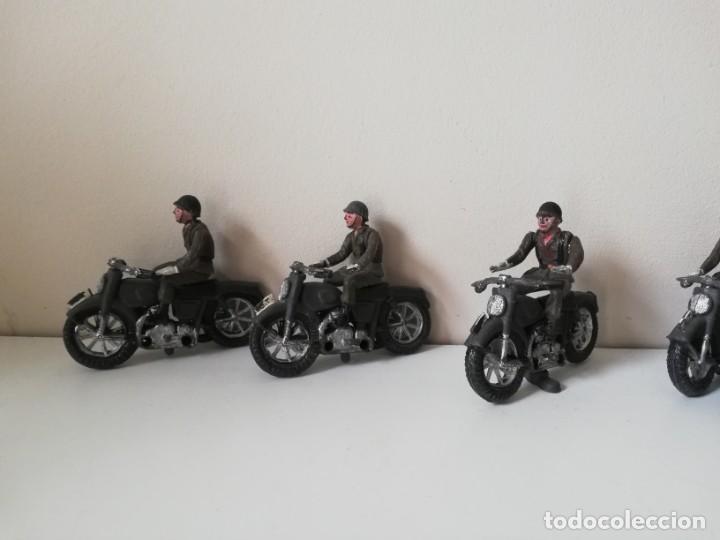 Figuras de Goma y PVC: FIGURA JEEP, DOS MOTOS CON SIDECAR DE TEIXIDO Y 3 MOTOS SENCILLAS, DESFILE DE INFANTERIA, REALIZADAS - Foto 10 - 205738238