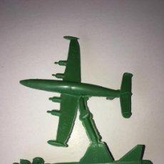 Figuras de Goma y PVC: MONTAPLEX - COLADA DE DOS AVIONES X-13 Y CONSTELLATION. Lote 205744553