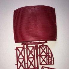 Figuras de Goma y PVC: MONTAPLEX COLADA DEL AEROPUERTO - COLOR FOTO. Lote 205744668