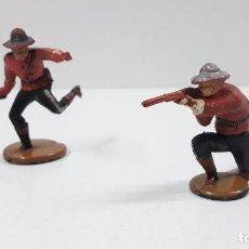 Figuras de Goma y PVC: DOS POLICIAS MONTADA DEL CANADA . REALIZADOS POR GAMA . ORIGINAL AÑOS 50 EN GOMA. Lote 205756602