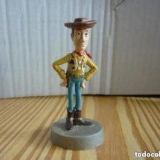 Figuras de Goma y PVC: FIGURA DE WOODY - TOY STORY - DISNEY PIXAR 8 CM RARA. Lote 206299352