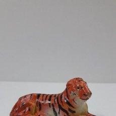 Figuras de Goma y PVC: TIGRE TUMBADO . REALIZADO POR JECSAN . SERIE CIRCO . ANOS 50 EN GOMA. Lote 206362393