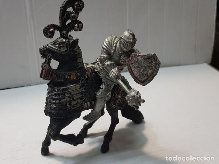 FIGURA LAFREDO GUERRERO MEDIEVAL A CABALLO ESCASA (Juguetes - Figuras de Goma y Pvc - Lafredo)