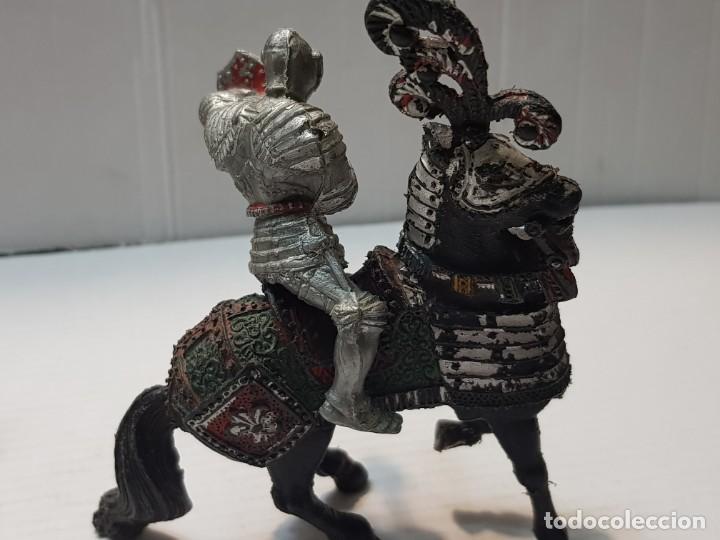 Figuras de Goma y PVC: Figura Lafredo Guerrero medieval a caballo escasa - Foto 2 - 206826521