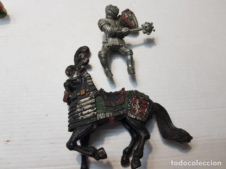 Figuras de Goma y PVC: Figura Lafredo Guerrero medieval a caballo escasa - Foto 4 - 206826521