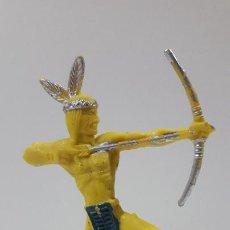 Figuras de Goma y PVC: GUERRERO INDIO CON ARCO . ORIGINAL AÑOS 60 . ALTURA 10 CM. Lote 206843125