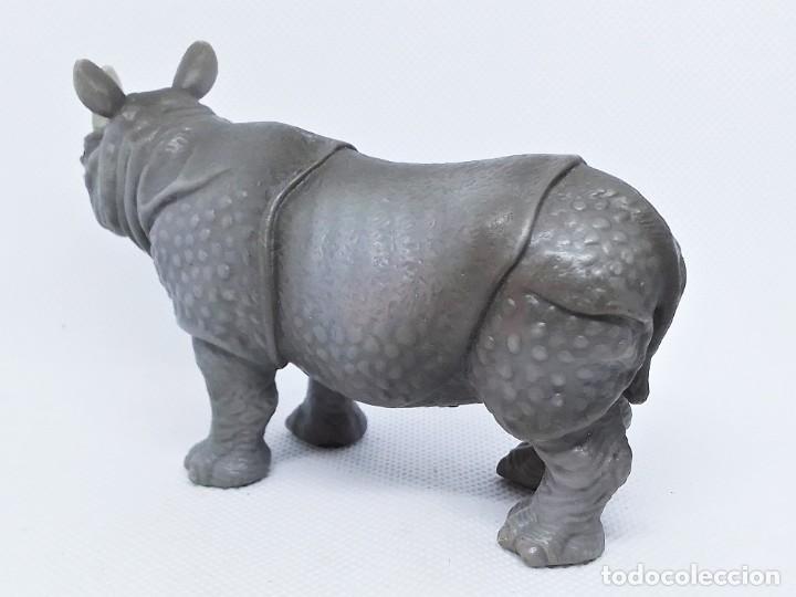 Figuras de Goma y PVC: Rinoceronte de Schleich año 2000 - Foto 2 - 207060177