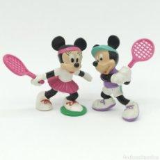 Figuras de Goma y PVC: MICKEY MOUSE Y MINNIE MOUSE JUGANDO A TENIS, DISNEY - BULLYLAND. Lote 207139873