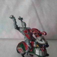 Figuras de Goma y PVC: FIGURA CABALLERO MEDIEVAL A CABALLO LAFREDO. Lote 207283325