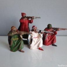 Figuras de Goma y PVC: BEDUINOS, GUERREROS ÁRABES, SERIE LAWRENCE DE ARABIA DE REAMSA, FIGURAS 140 (3) Y 148, GOMA AÑOS 50. Lote 207311593