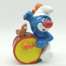 Figuras de Goma y PVC: PITUFO PAYASO TOCANDO EL BOMBO PEYO 1995 ¡ÚNICO EN TODOCOLECCIÓN!. Lote 207313995