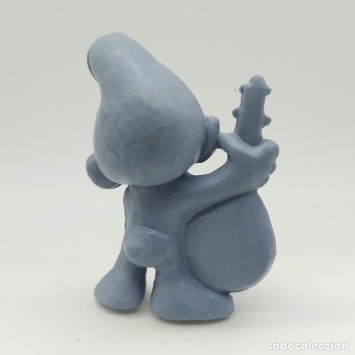 Figuras de Goma y PVC: Antiguo pitufo tocando el laúd años 80, sin pintar, rareza - Foto 2 - 207428603