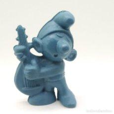 Figuras de Goma y PVC: ANTIGUO PITUFO TOCANDO EL LAÚD AÑOS 80, SIN PINTAR, RAREZA. Lote 207428688