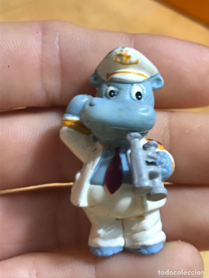 Figuras de Goma y PVC: Muñecos kinder ardillas terciopelo hippo ferrero 1992 gnomo mofeta MPG uno10 lote de 5 figuras - Foto 13 - 207691703