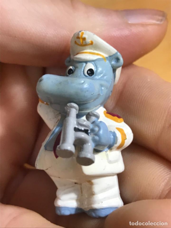 Figuras de Goma y PVC: Muñecos kinder ardillas terciopelo hippo ferrero 1992 gnomo mofeta MPG uno10 lote de 5 figuras - Foto 16 - 207691703