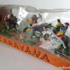 Figuras de Goma y PVC: ANTIGUA CAJA OESTE FIGURAS AÑOS 60 TORRES MALTAS SOTORRES. Lote 207876042