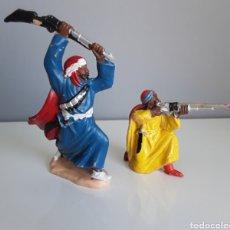 Figuras de Goma y PVC: BEDUINOS, GUERREROS ÁRABES, SERIE LAWRENCE DE ARABIA DE REAMSA, FIGURAS 140 Y 147 DE PLÁSTICO.. Lote 208139453