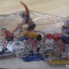 Figuras de Borracha e PVC: 5 CICLISTAS + AGUADOR DE SOTORRES ANTIGUO STOCK DE KIOSKO. Lote 208272715