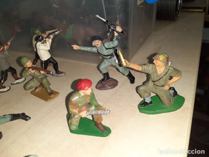 Figuras de Goma y PVC: Lote de 11 soldados de la 2ª Guerra Mundial.Reamsa. - Foto 5 - 208309006