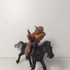 Figuras de Goma y PVC: FIGURA COWBOY CON REVOLVER A CABALLO EN PLASTICO 6 CMS DE LAFREDO. Lote 208423766