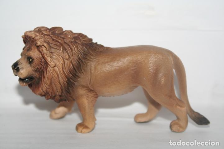 Figuras de Goma y PVC: figura leon schleich 2005 - Foto 2 - 208972415