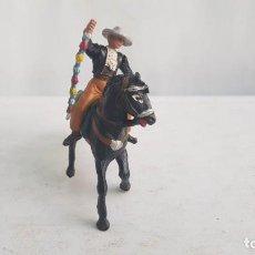 Figuras de Goma y PVC: REJONEADOR DE LA CORRIDA DE TOROS HECHO EN GOMA. AÑOS 60. TEIXIDO.. Lote 209055641
