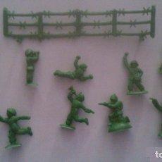 Figuras de Goma y PVC: MONTAPLEX - ESPAÑOLES - GRUPO DE COMBATE. Lote 209066795