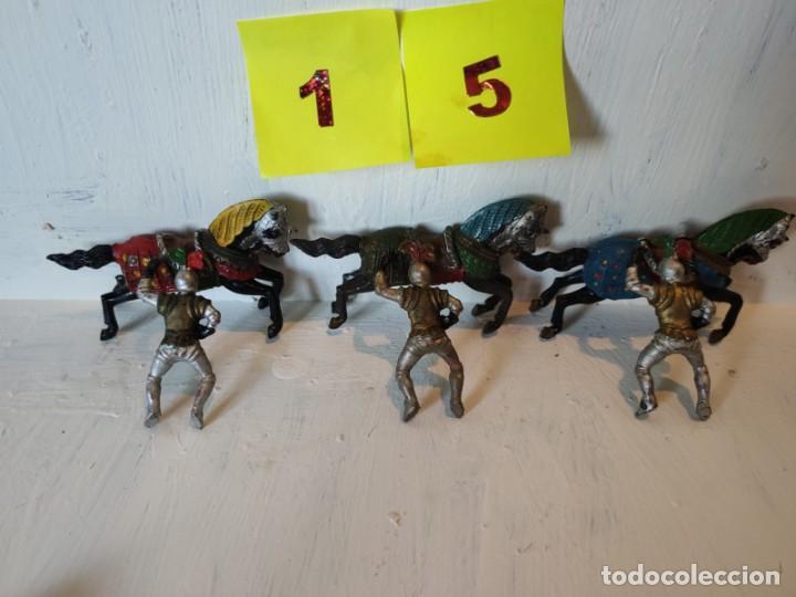 LOTE FIGURAS 3 JINETES MAS 3 CABALLOS HECHOS EN GOMA. REAMSA. (Juguetes - Figuras de Goma y Pvc - Reamsa y Gomarsa)