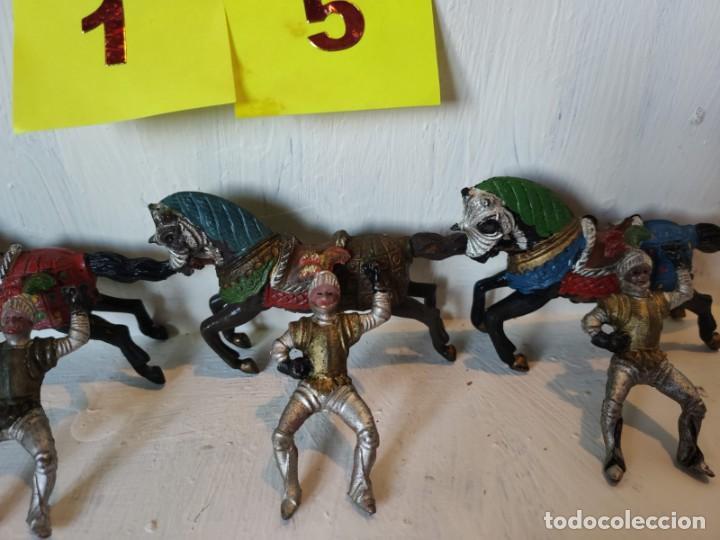 Figuras de Goma y PVC: Lote figuras 3 jinetes mas 3 caballos hechos en goma. Reamsa. - Foto 3 - 209074941