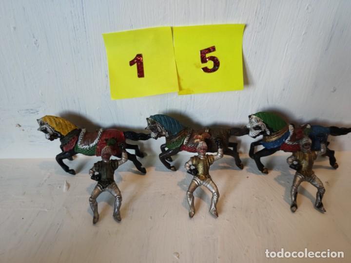 Figuras de Goma y PVC: Lote figuras 3 jinetes mas 3 caballos hechos en goma. Reamsa. - Foto 5 - 209074941
